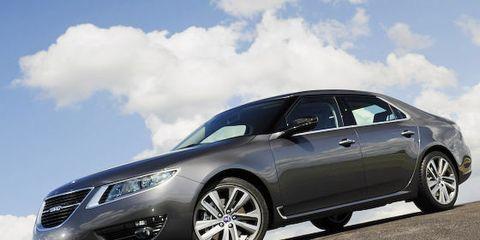 Tire, Wheel, Mode of transport, Automotive design, Vehicle, Transport, Car, Rim, Grille, Alloy wheel,