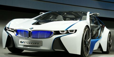Motor vehicle, Mode of transport, Automotive design, Vehicle, Land vehicle, Car, Automotive exterior, Grille, Automotive lighting, Personal luxury car,