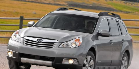 Tire, Wheel, Automotive tire, Daytime, Vehicle, Automotive design, Land vehicle, Automotive lighting, Headlamp, Rim,