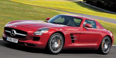 Tire, Automotive design, Vehicle, Land vehicle, Car, Performance car, Hood, Red, Fender, Mercedes-benz,