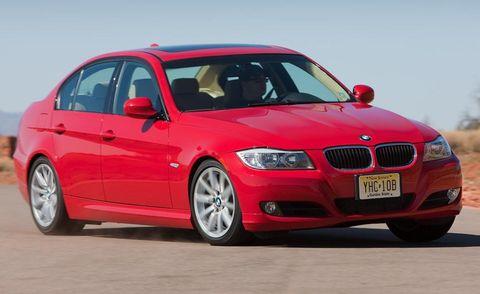 Tire, Automotive design, Mode of transport, Vehicle, Automotive tire, Hood, Red, Car, Automotive mirror, Rim,