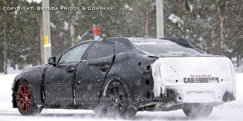 Motor vehicle, Tire, Mode of transport, Automotive tire, Winter, Automotive design, Transport, Vehicle, Automotive exterior, Freezing,