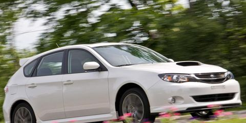 Tire, Wheel, Automotive design, Daytime, Vehicle, Alloy wheel, Rim, Land vehicle, Automotive tire, Automotive lighting,
