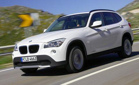 Tire, Motor vehicle, Wheel, Mode of transport, Automotive tire, Automotive design, Transport, Vehicle, Road, Land vehicle,