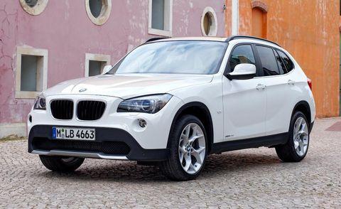 Tire, Wheel, Vehicle, Automotive tire, Window, Hood, Land vehicle, Automotive exterior, Headlamp, Rim,