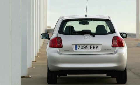 Motor vehicle, Automotive tail & brake light, Automotive design, Automotive exterior, Vehicle, Land vehicle, Automotive mirror, Automotive lighting, Car, Vehicle registration plate,