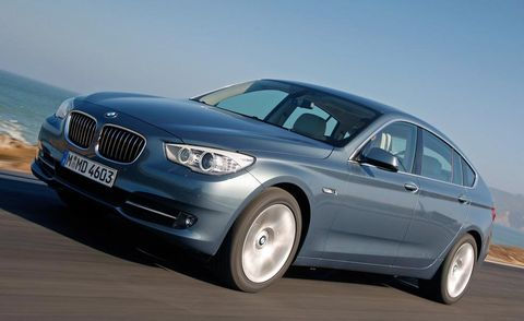 Tire, Mode of transport, Automotive design, Automotive tire, Vehicle, Transport, Alloy wheel, Rim, Car, Grille,