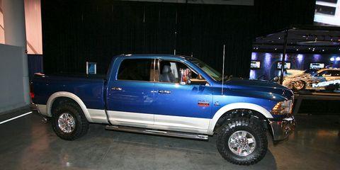 Tire, Wheel, Motor vehicle, Automotive design, Automotive tire, Vehicle, Pickup truck, Truck, Rim, Automotive wheel system,