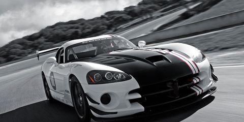 Automotive design, Vehicle, Headlamp, Hood, Automotive lighting, Land vehicle, Performance car, Car, Sports car, Sports car racing,