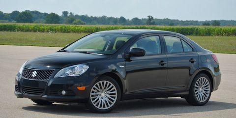 Motor vehicle, Tire, Automotive mirror, Vehicle, Automotive design, Land vehicle, Car, Rim, Automotive tire, Alloy wheel,