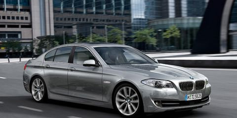 Tire, Wheel, Mode of transport, Automotive design, Vehicle, Rim, Vehicle registration plate, Alloy wheel, Car, Grille,
