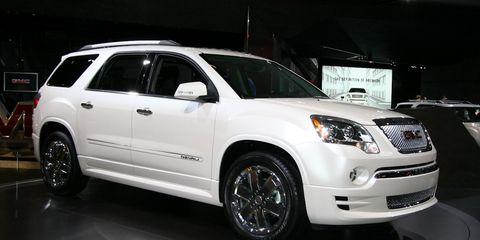 Tire, Wheel, Automotive tire, Automotive design, Vehicle, Land vehicle, Glass, Window, Automotive lighting, Car,