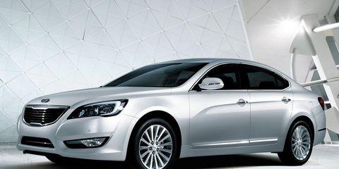 Tire, Wheel, Mode of transport, Automotive design, Vehicle, Land vehicle, Automotive lighting, Grille, Car, Headlamp,