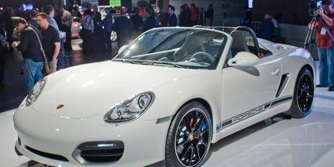 Wheel, Tire, Automotive design, Vehicle, Land vehicle, Event, Car, Automotive wheel system, Fender, Alloy wheel,
