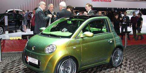Motor vehicle, Wheel, Automotive design, Car, Alloy wheel, Rim, Auto show, Exhibition, Hatchback, City car,