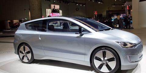 Tire, Wheel, Mode of transport, Automotive design, Vehicle, Land vehicle, Transport, Car, Automotive mirror, Auto show,