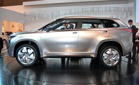 Tire, Wheel, Automotive design, Land vehicle, Product, Vehicle, Automotive tire, Car, Rim, Alloy wheel,