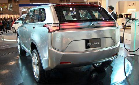 Motor vehicle, Automotive design, Vehicle, Event, Land vehicle, Car, Automotive tail & brake light, Fender, Automotive lighting, Exhibition,
