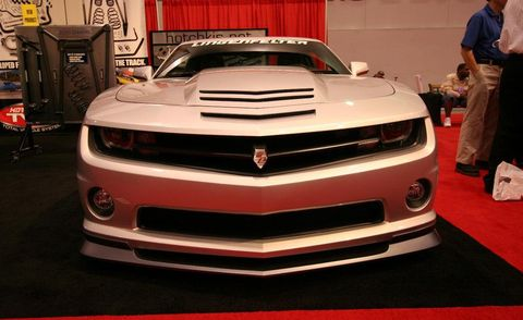 Automotive design, Vehicle, Grille, Automotive exterior, Car, Hood, Chevrolet camaro, Bumper, Headlamp, Automotive lighting,