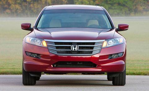 Automotive mirror, Automotive design, Daytime, Vehicle, Product, Land vehicle, Automotive lighting, Grille, Automotive parking light, Infrastructure,