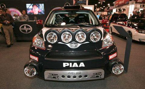 Automotive design, Vehicle, Land vehicle, Car, Automotive lighting, Headlamp, Grille, Bumper, Personal luxury car, City car,