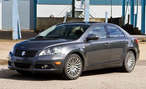 Tire, Vehicle, Glass, Land vehicle, Rim, Car, Automotive lighting, Headlamp, Alloy wheel, Grille,