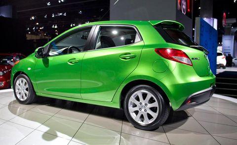 Tire, Wheel, Motor vehicle, Automotive design, Mode of transport, Land vehicle, Vehicle, Car, Vehicle door, Automotive wheel system,