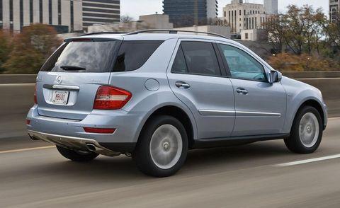 Tire, Wheel, Vehicle, Automotive tire, Window, Automotive design, Rim, Glass, Car, Fender,