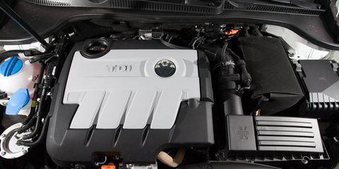Engine, Personal luxury car, Luxury vehicle, Automotive engine part, Automotive super charger part, Kit car, Automotive air manifold, Performance car, Hood,