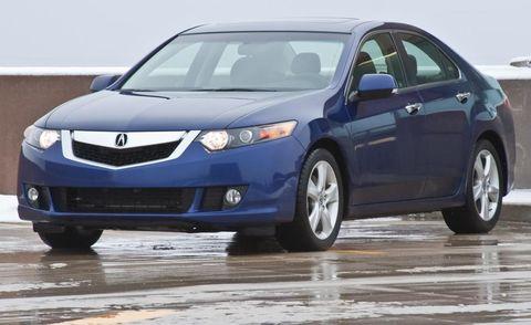 Tire, Motor vehicle, Wheel, Mode of transport, Automotive mirror, Blue, Daytime, Vehicle, Product, Glass,