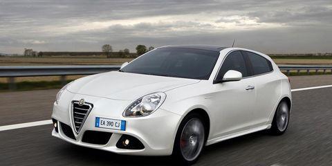 Tire, Motor vehicle, Wheel, Mode of transport, Automotive design, Vehicle, Road, Rim, Automotive tire, Car,
