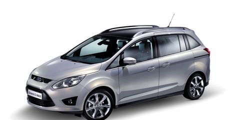 Tire, Wheel, Motor vehicle, Automotive mirror, Mode of transport, Automotive design, Product, Vehicle, Glass, Automotive tire,