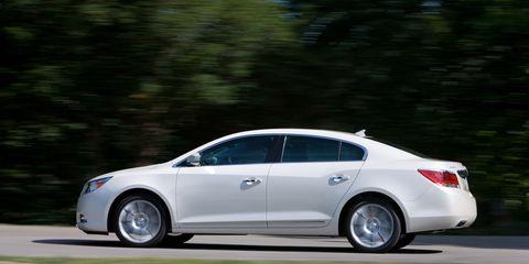 Wheel, Tire, Mode of transport, Automotive design, Vehicle, Land vehicle, Transport, Car, Rim, Alloy wheel,