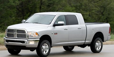 Tire, Wheel, Motor vehicle, Automotive tire, Vehicle, Automotive design, Land vehicle, Automotive parking light, Rim, Transport,