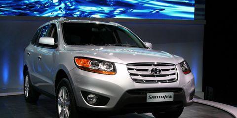 Motor vehicle, Wheel, Tire, Automotive design, Vehicle, Land vehicle, Automotive lighting, Headlamp, Glass, Car,