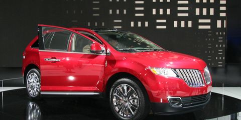 Motor vehicle, Automotive design, Vehicle, Land vehicle, Car, Automotive lighting, Technology, Glass, Vehicle door, Alloy wheel,