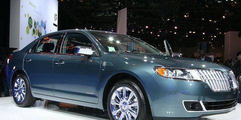 Tire, Wheel, Automotive design, Vehicle, Product, Land vehicle, Event, Car, Glass, Automotive lighting,