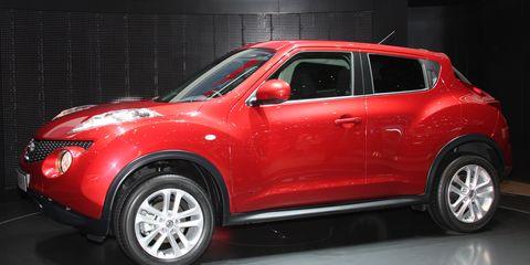 Motor vehicle, Tire, Automotive design, Vehicle, Product, Land vehicle, Automotive tire, Car, Glass, Automotive lighting,