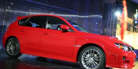 Tire, Wheel, Automotive design, Vehicle, Automotive tire, Alloy wheel, Automotive wheel system, Land vehicle, Rim, Car,