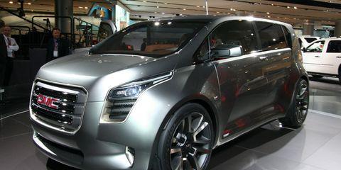 Wheel, Motor vehicle, Tire, Automotive design, Land vehicle, Vehicle, Car, Grille, Auto show, Automotive mirror,