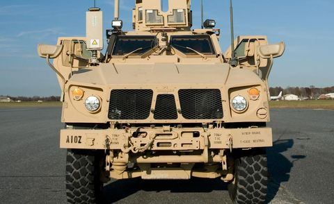 Motor vehicle, Tire, Mode of transport, Military vehicle, Automotive tire, Automotive design, Transport, Combat vehicle, Off-road vehicle, Fender,