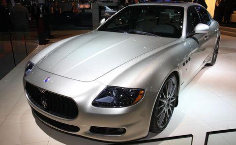 Tire, Automotive design, Vehicle, Event, Land vehicle, Grille, Hood, Car, Performance car, Personal luxury car,