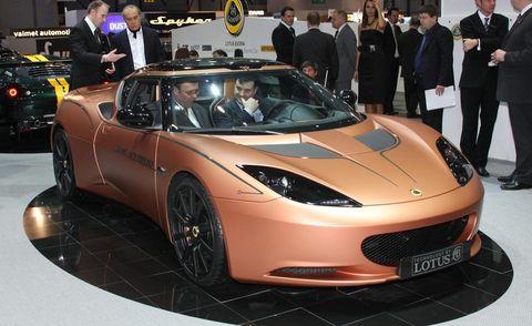 Tire, Motor vehicle, Mode of transport, Automotive design, Vehicle, Land vehicle, Event, Car, Performance car, Personal luxury car,