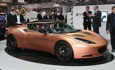 Tire, Wheel, Mode of transport, Automotive design, Vehicle, Event, Land vehicle, Performance car, Car, Headlamp,
