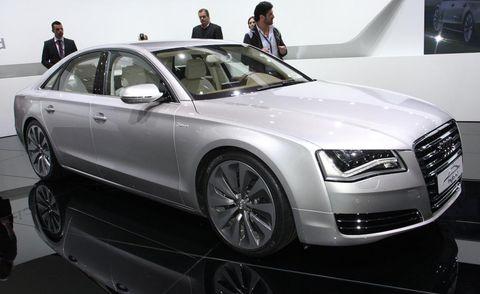 Tire, Wheel, Automotive design, Vehicle, Land vehicle, Car, Grille, Headlamp, Personal luxury car, Audi,