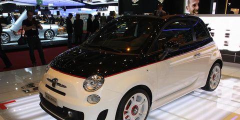 Motor vehicle, Automotive design, Vehicle, Land vehicle, Car, Automotive lighting, Auto show, Exhibition, Rim, Alloy wheel,