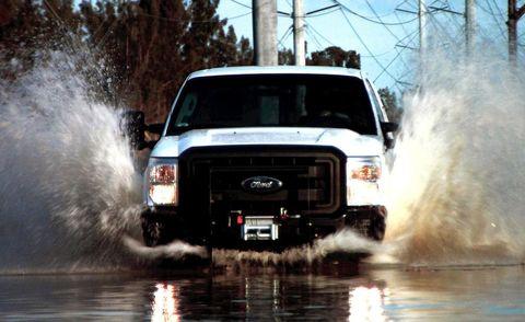 Motor vehicle, Automotive design, Automotive exterior, Transport, Automotive tire, Hood, Grille, Fender, Bumper, Automotive parking light,