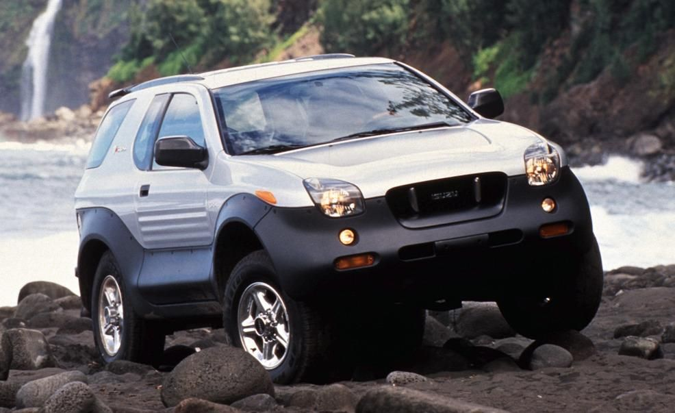 Isuzu Vehicross (1999–2001) If the Isuzu Vehicross has a calling card, it's that it appears to have more bottom than top, if that makes sense. It also predates the Pontiac Aztek.