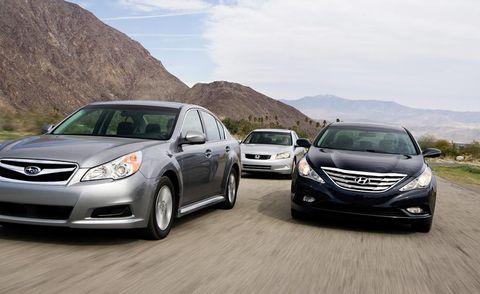 Motor vehicle, Mode of transport, Vehicle, Daytime, Land vehicle, Glass, Transport, Car, Headlamp, Automotive lighting,