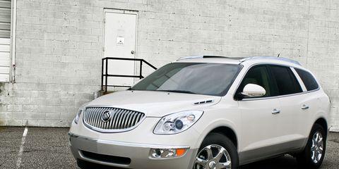 Motor vehicle, Tire, Automotive mirror, Mode of transport, Glass, Automotive tire, Vehicle, Automotive design, Automotive lighting, Land vehicle,
